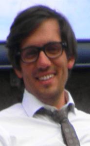 Vignette : Sébastien VALLET (psychologue) interpellé par Sébastien BERTHO (assistant social)